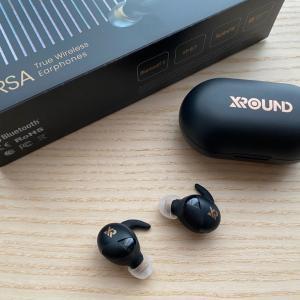 【XROUND VERSA レビュー】付け心地と音質を追求したほぼ全部入りの完全ワイヤレスイヤホン