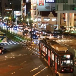 豊橋駅前を発車する路面電車 初めての夜撮影 (2019年10月 夜7時)