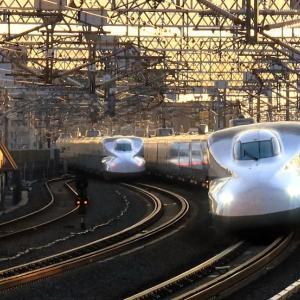 東海道新幹線は浜松駅 N700系同士のすれ違い (2019年11月)