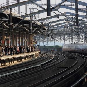 東北新幹線は那須塩原駅に入線するE5系上り「なすの号」 (2012年5月)