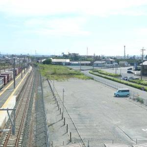 東海道本線は天竜川駅通過65貨物や昔の貨車ワラ9000 (2020年5月)
