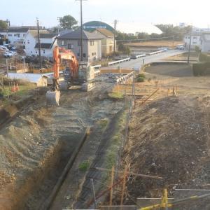 浜松市東区材木町 「まるがた通路」脇の坂道 工事状況 (2021年1月16日ほか)