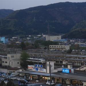 2010年5月 ホテルの窓から見える敦賀駅 (あの年の春 在庫でゴー)