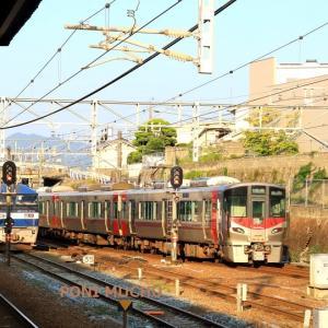 山陽本線は西条駅の朝の風景 EF210やEF67 (2019年9月 秋の在庫シリーズ)