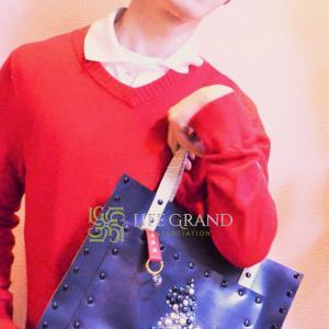 色の効果☆紺色のバッグで知性的で洗練された印象、冷静沈着、信頼を得られる作用を取り入れよう!