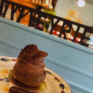 販売日限定のチョコレート専門店のチョコレートシュークリーム!贅沢~♪「EYRIEY(エリエ)」