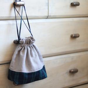 裏地&切り替えあり巾着袋の作り方を動画で解説!フリル絞りが可愛くてお気に入りの一枚に!