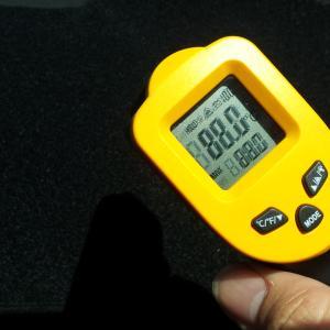 プリウスに使ってるダッシュマットの温度がヤバいっす