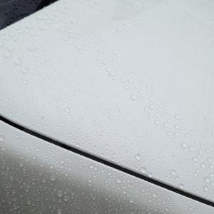 エーゼット CCT-001自動車用ガラス系コーティング剤アクアシャインクリアの雨弾き具合