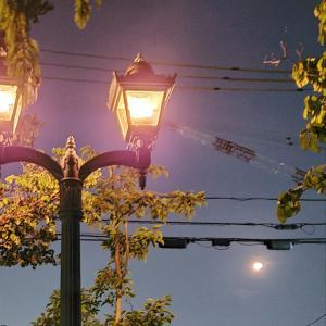 学校守衛物語ー131 《愛のガスライトと満月》