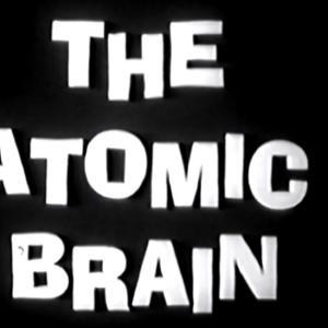 """""""脳移植"""" を巡る SF・サスペンス 「 アトミック・ブレイン 大脳移植若返り法 」"""