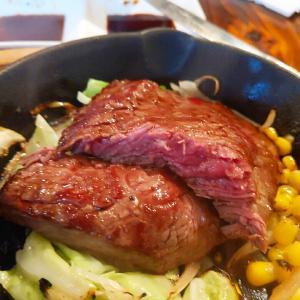 新宿 ステーキロコモコメンチカツカレー食べたいものばかり