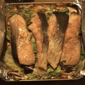 ☆ズボラおやじの簡単レシピ(74):サーモンときのこ・野菜のホイル焼き