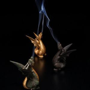 素適な香炉で見えない存在との会話