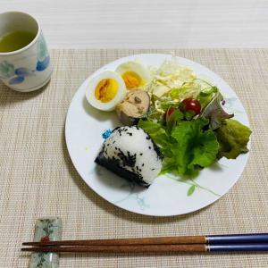 朝食・水耕栽培とプランター菜園の野菜。
