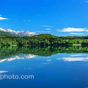 青木湖の水鏡