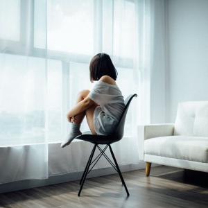 精神疾患発症で夫と離婚→生活保護で孤独な暮らし。。