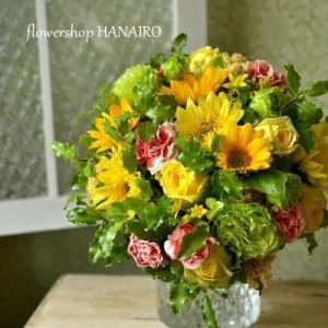 ひまわり2種「モネ」「フレッシュレモン」を使った花束。
