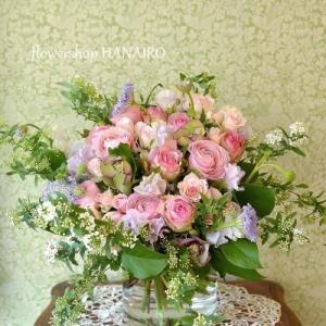 バラ「大阪城」を使った花束。