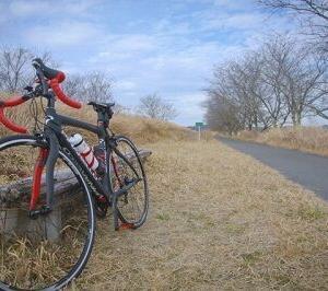 キャンプ、登山、バイクは流行っているのにロードバイクが全く流行らない理由
