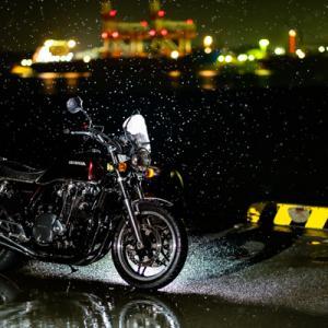 CB1100 雨だからバイクに乗りたいときもある