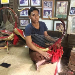 ミャンマー日記373(消えゆく竪琴職人)