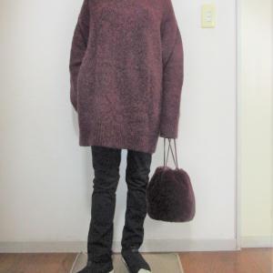 今の季節限定ユニクロチュニックセーター