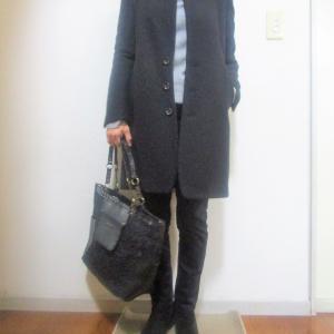 細身のコートはそれだけでスタイルアップ