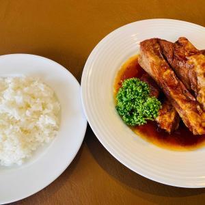 日本のスペアリブ発祥の地で食べる絶品ランチ