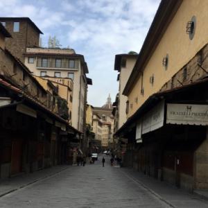 観光の街フィレンツェのベッキォ橋も、レッドゾーンでひっそり