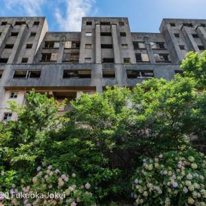 長崎県池島 廃墟化進行中の旧炭鉱の島 3 8階建てアパート