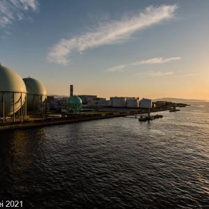 博多湾情景 ガスタンクのある風景 2021年5月