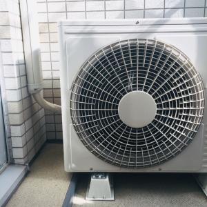エアコンの室外機の掃除、ホコリがすごかった〜