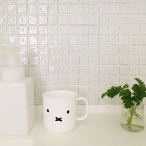【タイルシール】洗面台のチャイルドミラーに貼ってみました♪ビフォーアフター!!