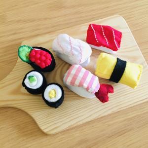 ままごとのお寿司を手作り*ソーシャルディスタンス!?