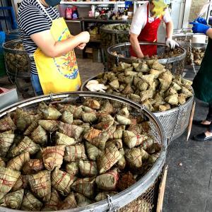 チマキ専門店「趙記粽子」でチマキを買う