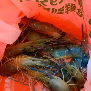 「叮咚买菜」で間違って生きた海老が届いた