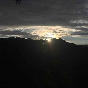 [なう]南アルプスが一望できるキャンプ場の朝