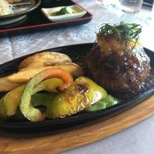 北杜でがっつりお肉が食べたくなったら思い出して欲しい。『カツ&ハンバーグ Derra』があるってことを。