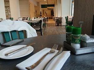 最終日のディナーはホテルで・・・???  『還暦のサブスリー』達成のための米国強化RUN合宿。