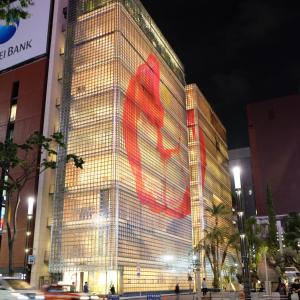 メゾンエルメスは銀座で夜に観たい建築No.1【東京銀座】