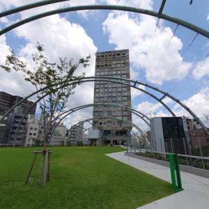 ミヤシタパークが激変!生まれ変わった空中公園を建築に注目してレポート【東京渋谷】