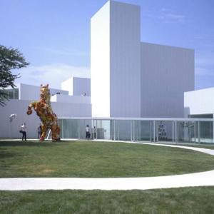 十和田市現代美術館がスゴい!街と一体となったアートな建築をレポート【青森県十和田市】