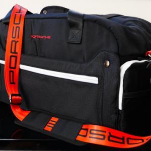 ポルシェのスポーツバッグ