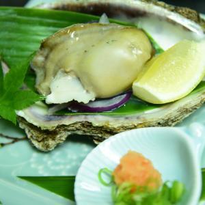 【海洋深層水仕込み】今が旬の岩牡蠣。