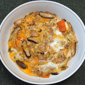 鶏肉と野菜の卵とじ