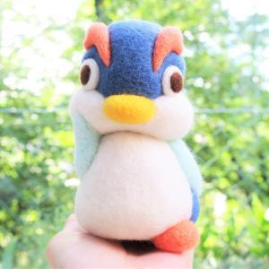 イワトビペンギン、不思議がる(一一)