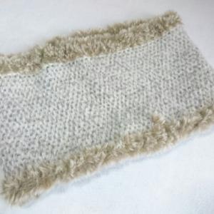 ファー付き アフガン編みのネックウォーマー