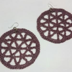 編みピアス☆固まる糸