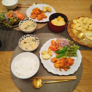 鶏のトマト煮込み・クリームシチュー・ポテトチーズ